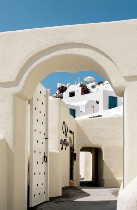 Mystique Resort Santorini 9